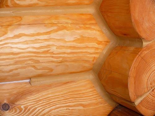 Видео о герметизации швов в деревянном доме